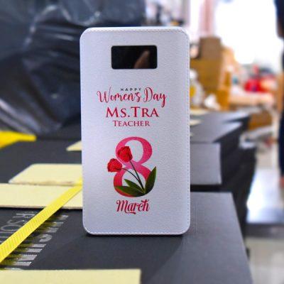 pin sạc dự phòng in khắc logo quà tặng