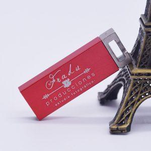 usb kim loại in khắc logo